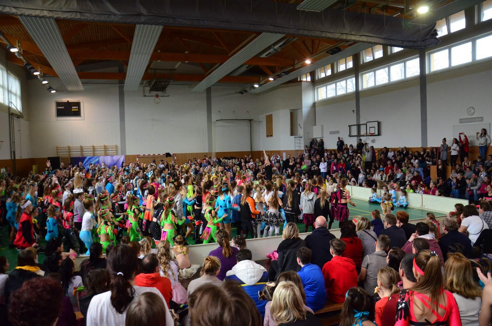 9c4d0ba2c5f O valašský klobouk bojovalo 1 100 tanečníků – ČUS Sportuj s námi!